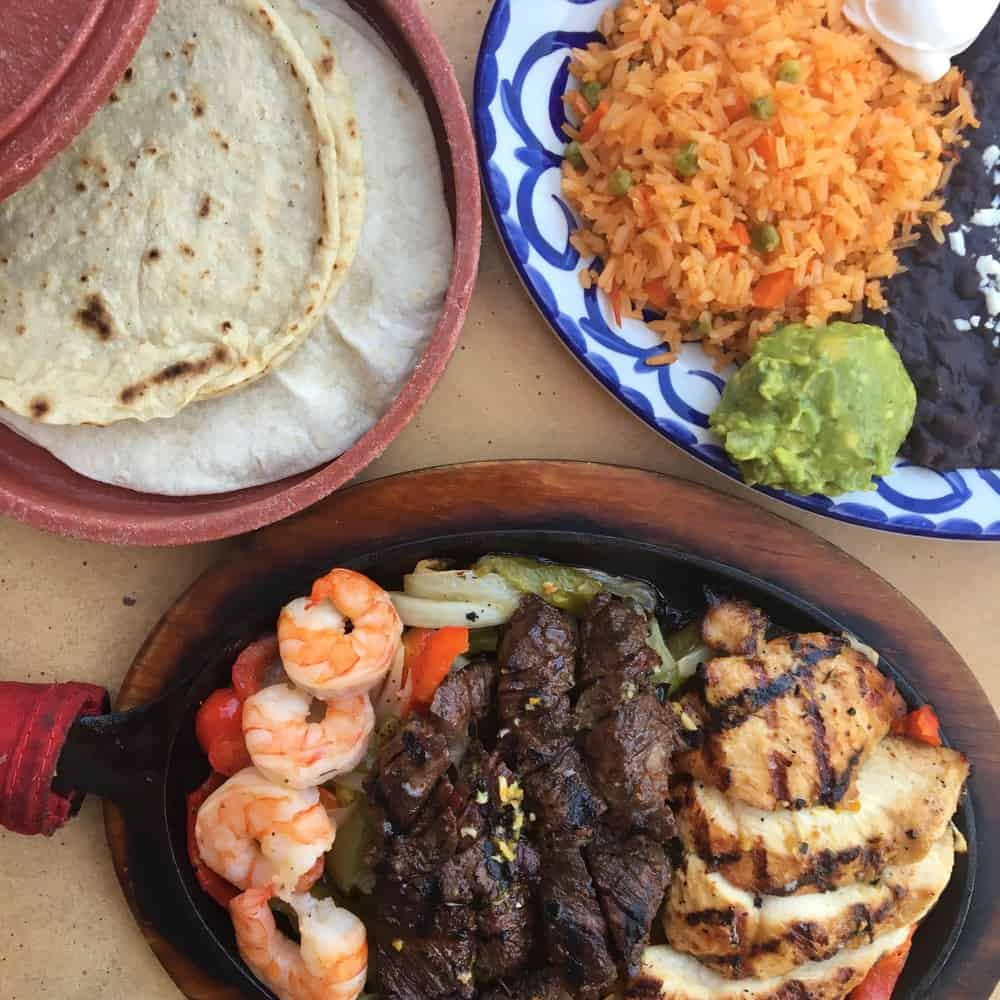 Clean Eats & Healthy Food in Disneyland- Tortilla Joes fajitas
